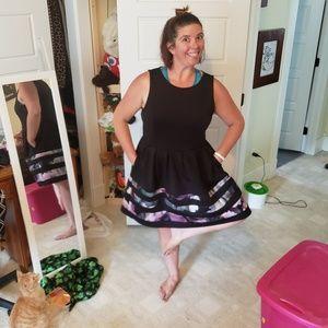 Fun, flowy black dress with deep pockets!